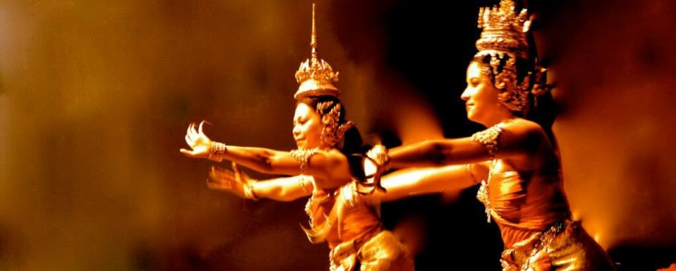 The leading Thai performing arts organizations in Canada. To create cross-cultural awareness, the Troupe is committed to the creation development and promotion of Thai classical and folk drama, music